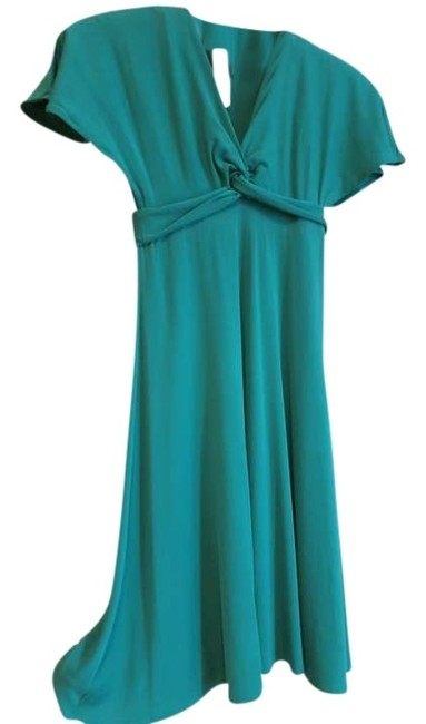 Preload https://img-static.tradesy.com/item/373832/bcbgmaxazria-green-knee-length-night-out-dress-size-0-xs-0-0-650-650.jpg