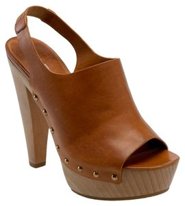 Via Spiga Designer Leather Sexy Studded Tan Bootie Rocker Gold Gold Hardware Caramel Platforms