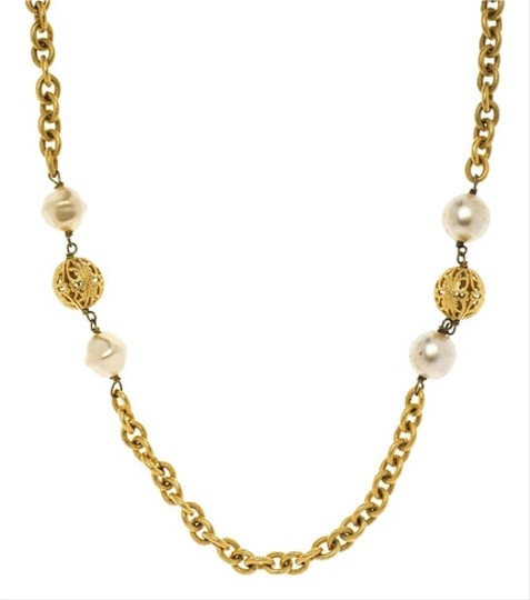 Chanel Chanel Vintage Oval Pearl Link Necklace