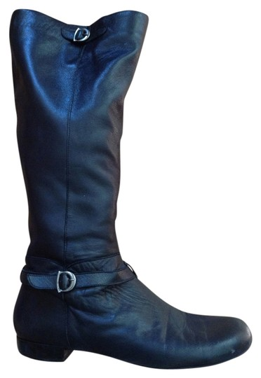Preload https://item3.tradesy.com/images/joan-and-david-black-and-circa-bootsbooties-size-us-10-regular-m-b-3739912-0-0.jpg?width=440&height=440