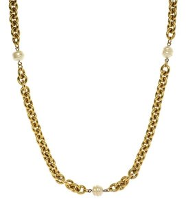 Chanel Chanel Pearl And Gold Vintage Necklace