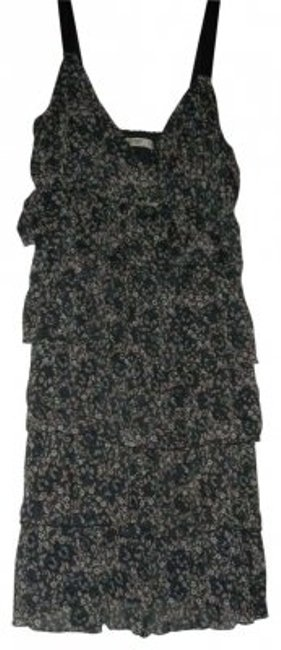 Preload https://item2.tradesy.com/images/old-navy-grey-floral-ruffled-v-neck-tank-above-knee-short-casual-dress-size-10-m-37411-0-0.jpg?width=400&height=650