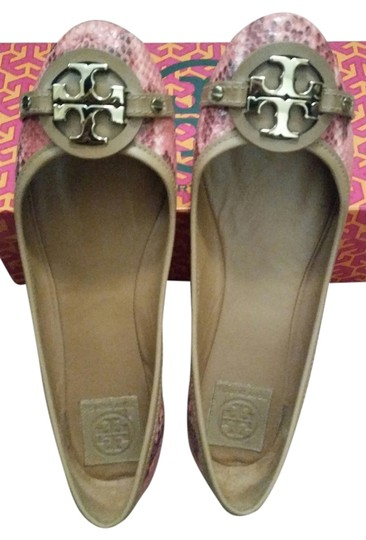Preload https://item3.tradesy.com/images/tory-burch-salmontan-flats-3743752-0-0.jpg?width=440&height=440