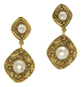 Chanel CHANEL VINTAGE GOLD PEARL EARRINGS