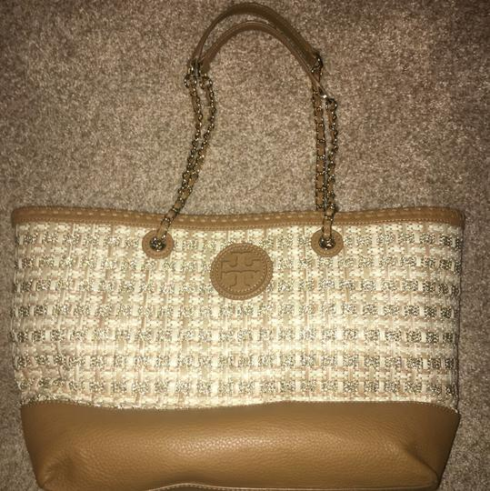 Tory Burch Tote in Brown Luggage