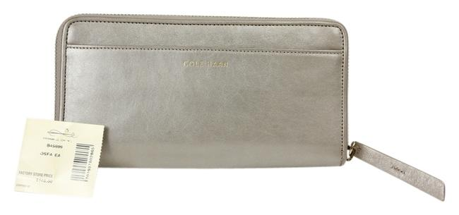 "Item - Pearlescent Grey ""Brennan"" Continental Zip Around Wallet"