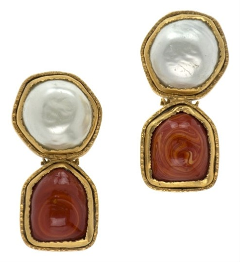 Preload https://item5.tradesy.com/images/chanel-red-gripoix-vintage-earrings-3745654-0-0.jpg?width=440&height=440