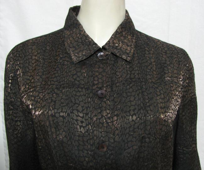 Chico's Rayon Buttoned Shirt Blouse Women Size1 Medium M 8 Longsleeve Cuffed Metallic Copper Gold Print Animal Ladies Button Down Shirt brown
