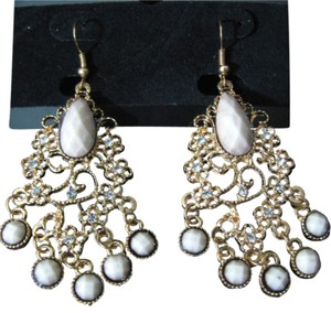 Other NEW Fashion Dangling gold tone earrings with ivory bead rhinestone crystals filigree