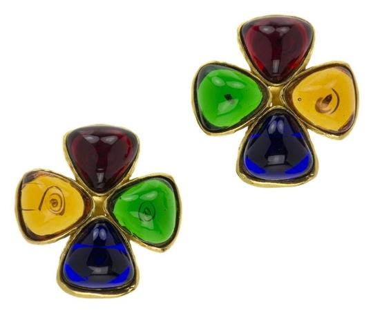 Preload https://item3.tradesy.com/images/chanel-multicolored-vintage-gripoix-clover-earrings-3746767-0-0.jpg?width=440&height=440