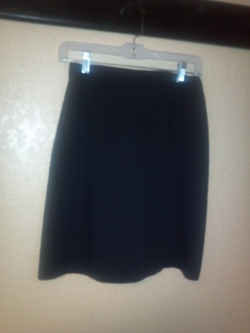 Preload https://item3.tradesy.com/images/35th-and-10th-skirt-black-3747067-0-0.jpg?width=400&height=650