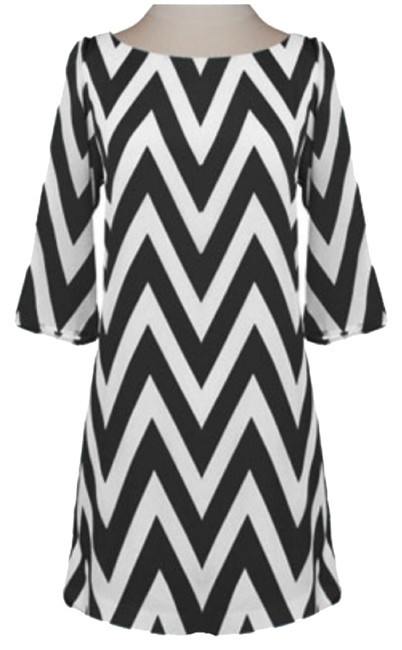 Preload https://item1.tradesy.com/images/everly-black-white-zig-zag-quarter-sleeve-above-knee-short-casual-dress-size-4-s-3747145-0-0.jpg?width=400&height=650