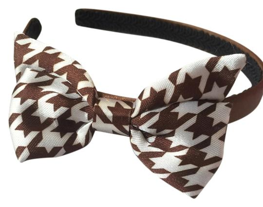 Preload https://item1.tradesy.com/images/brown-and-white-houndstooth-bow-headband-hair-accessory-3747985-0-0.jpg?width=440&height=440