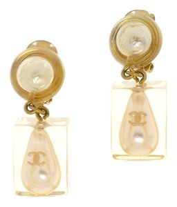 Chanel CHANEL LUCITE PEARL DROP EARRINGS