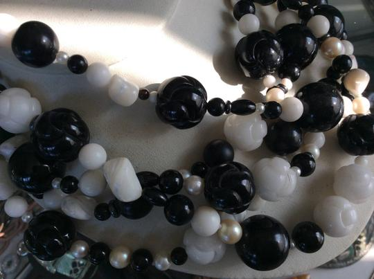Fine Italian Jewels Italian Fine Jewelry 18 K Yellow Gold Hook One Of The Kind Hand carved onyx pearl Necklace