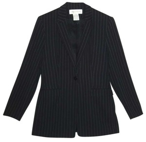 Jones New York LIKE NEW * JONES NEW YORK * BLACK PINTSTRIPE PANTSUIT * SINGLE BREASTED * LONGER JACKET * RAYON * DRAPES BEAUTIFULLY * SIZE 6 PETIT