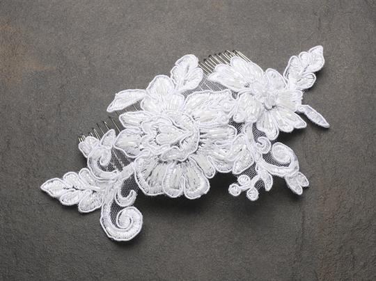 Mariell White Romantic English Rose Lace Comb 4089hc-w Hair Accessory