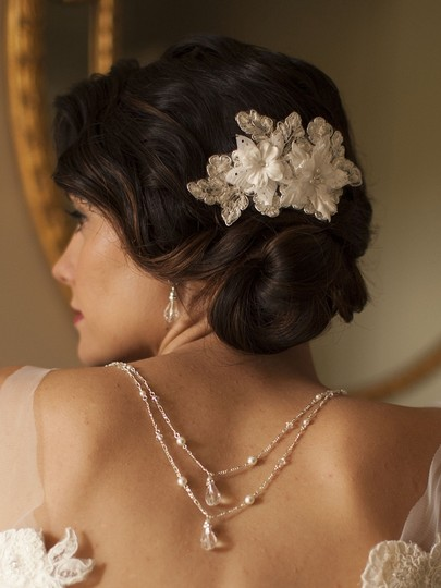 Mariell Sophisticated Handmade Bridal Comb With Ivory Beaded Floral Lace Applique 4102hc-i