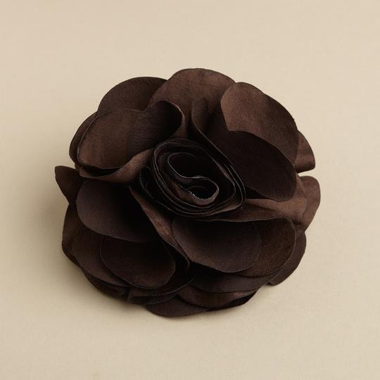 Preload https://item5.tradesy.com/images/mariell-brown-silk-flower-clip-or-pin-3458h-es-hair-accessory-3753964-0-0.jpg?width=440&height=440