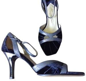 Kenneth Cole Leather Velvet NEW black Sandals