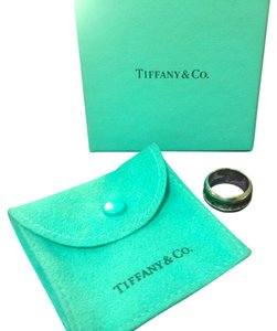 Tiffany & Co. AUTHENTIC TIFFANY & Co. RING - 2003 Atlas Collection Sterling Silver , Size 6, $230
