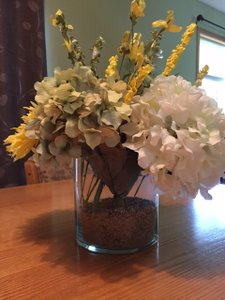 14 Beautiful Hand-made Centerpieces