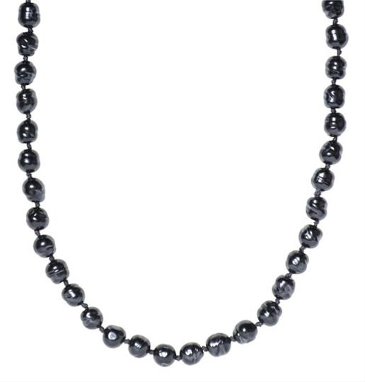 Preload https://item4.tradesy.com/images/chanel-chanel-faux-navy-pearl-necklace-3759703-0-0.jpg?width=440&height=440