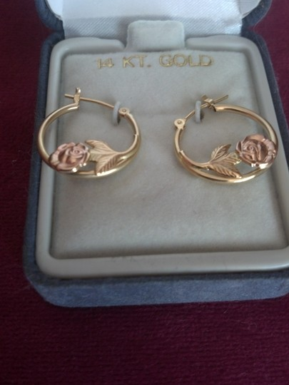 Other 14K Gold & Rose Gold Hoop Earrings - Rose design