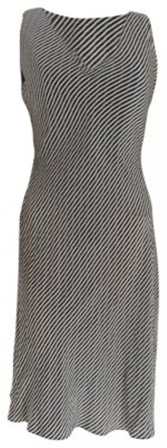 Preload https://item2.tradesy.com/images/armani-collezioni-black-and-white-knee-length-cocktail-dress-size-4-s-37611-0-0.jpg?width=400&height=650