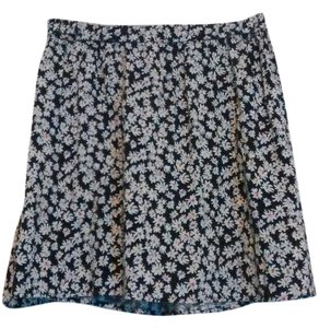 Lily Star Circle Floral Mini Skirt Black and White