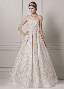 Oleg Cassini Limited Edition Strapless Organza Ball Gown With Lazer Cut Design Wedding Dress