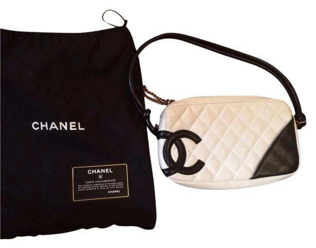 Item - Clutch Cambon Pochette White and Black Leather Baguette