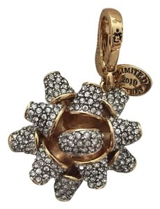 Juicy Couture Juicy Couture Holiday Bow Charm