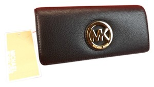 Michael Kors FULTON CONTINENTAL BLACK LEATHER GOLD LOGO FLAP WALLET
