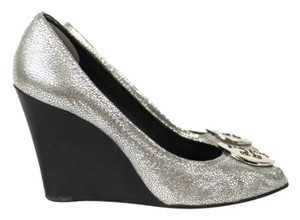 Tory Burch Metallic Pebbled Leather Peeptoe Julianne Wedges Silver Platforms