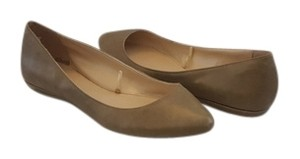 Old Navy tan Flats