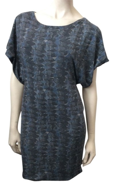 Preload https://item3.tradesy.com/images/cut25-navy-grey-white-open-back-above-knee-short-casual-dress-size-4-s-3769447-0-0.jpg?width=400&height=650
