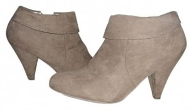 Item - Taupe Boots/Booties Size US 8 Regular (M, B)