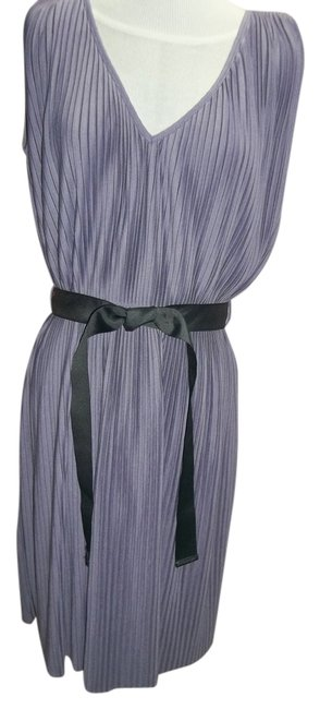 Newport News V-neck Accordion Pleat Medium Black Belt Dress
