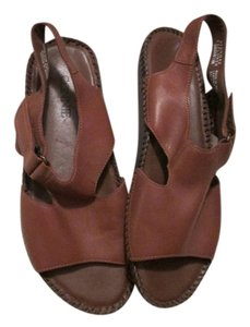 Connie Leather Brown Sandals