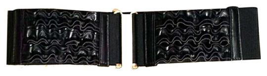 Preload https://item4.tradesy.com/images/forever-21-black-stretch-with-ruffled-front-and-gold-buckle-size-sm-belt-3777403-0-0.jpg?width=440&height=440