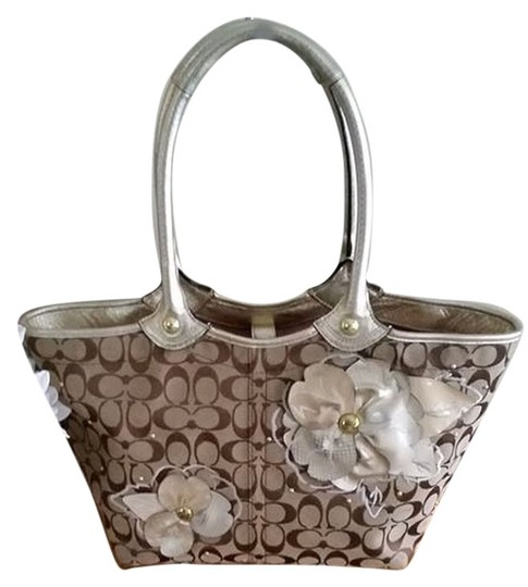 Coach Bleeker Floral Applique Shopper Shoulder Tote in Khaki/brown
