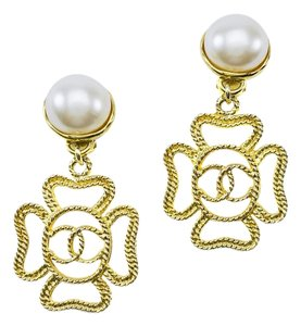 Chanel Chanel Vintage Four Leaf Earrings
