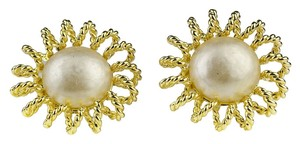Chanel Chanel vintage Season 25 Pearl Earrings