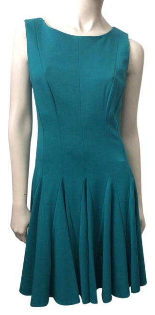Preload https://img-static.tradesy.com/item/3781342/issa-london-green-knee-length-workoffice-dress-size-10-m-0-1-650-650.jpg