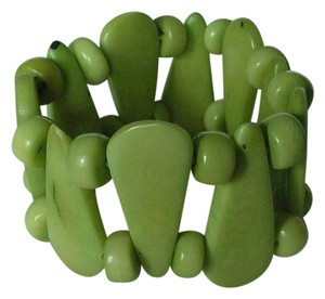 Chilewich Genuine Polished Green Seed & Beads Expandable Bracelet Made in Chile