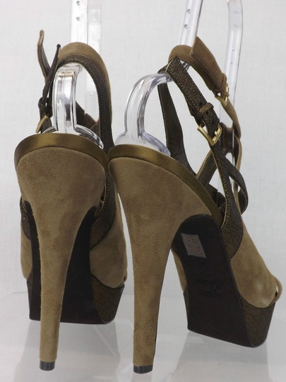 Guess By Marciano Green Pumps