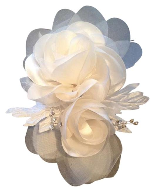 Item - White and A Little Ivory Double Rose Fabric Embellished Floral Headpiece Hair Accessory