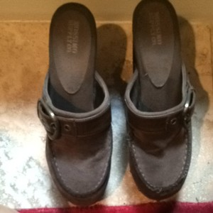 Mossimo Supply Co. High Heel Clog Platform Brown Mules