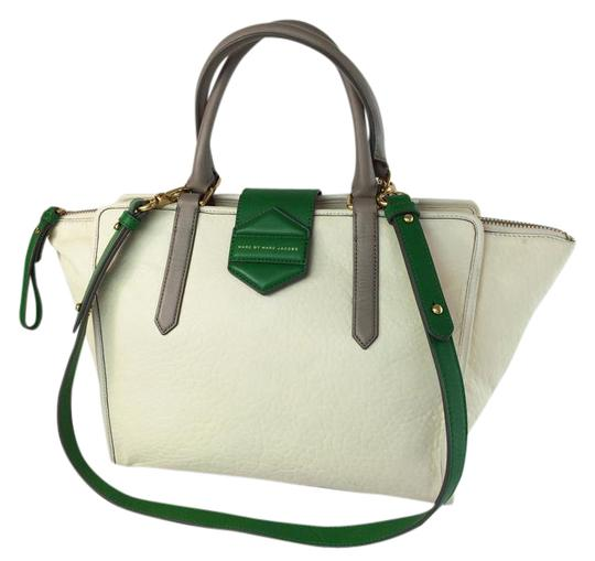 Preload https://img-static.tradesy.com/item/3787594/marc-by-marc-jacobs-flipping-out-white-birch-leather-tote-0-9-540-540.jpg
